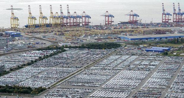 """الاقتصادي العالمي """"يتأثر"""" بتهاوي النفط وأزمة اليونان واليوان الصيني"""