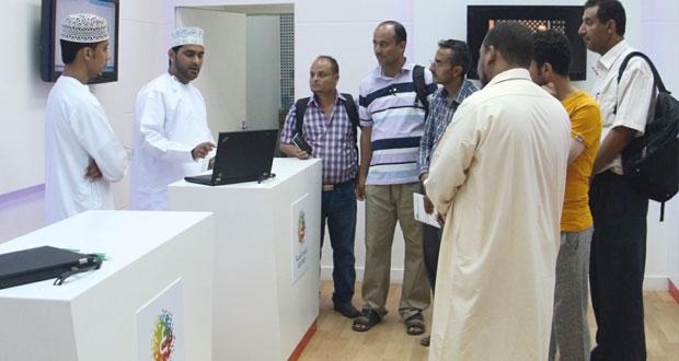 هيئة تقنية المعلومات تواصل التعريف بمبادراتها في مهرجان صلالة السياحي 2015
