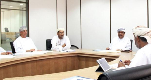 اللجنة المشتركة للتعمين بقطاع الصحة تبحث وضع آلية لصياغة استراتيجية القطاع