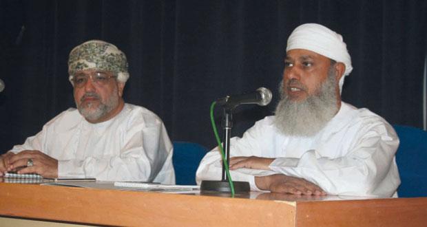 رئيس بعثة الحج العمانية يواصل لقاءاته بأصحاب الحملات بالمحافظات