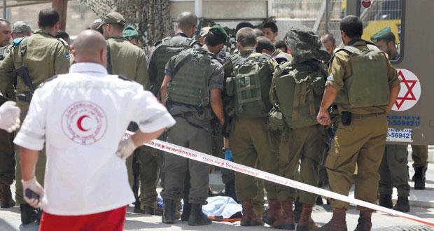 الاحتلال يغتال فلسطينيا ويشن حملة قمع واعتقال بالضفة والقدس