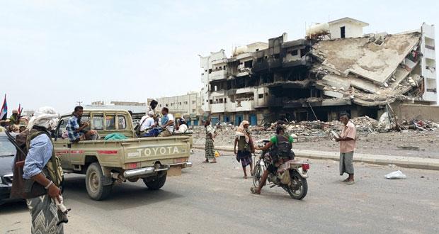 اليمن: هادي يؤكد أن قواته لن تتوقف حتى تستعيد الدولة والحوثيون يقولون إن صنعاء (خط أحمر)
