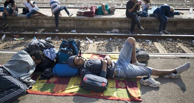 مأساة جديدة في (المتوسط)..مصرع عشرات المهاجرين بغرق قارب هجرة