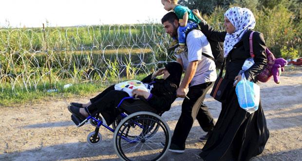 إنقاذ العشرات من الموت في شاحنات تهريب اللاجئين.. ودعوات لوزاري أوروبي عاجل