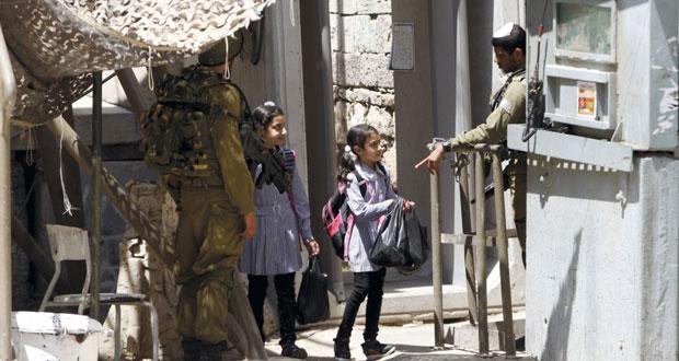 قوات الاحتلال تشن حملة اعتقال مسعورة بالقدس والضفة المحتلتين