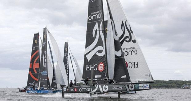 """القارب """"سلطنة عمان"""" يحافظ على ترتيبه ويحقق أول فوز له وسط مؤازة الجماهير الألمانية"""