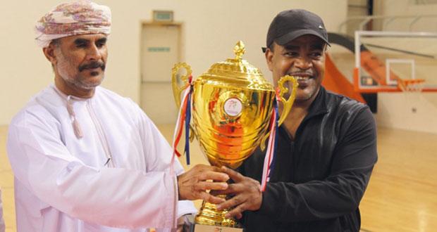 تتويج أبطال دبي بكأس بطولة عمان المفتوحة الثامنة للتايكوندو للقتال والقتال الوهمي