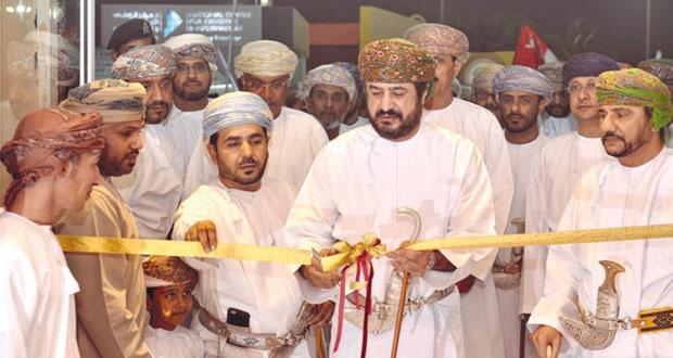 المرهون يفتتح معرض وزارة التراث والثقافة بالمهرجان