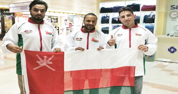 محمود العريمي يطير إلى البرازيل لتمثيل السلطنة في بطولة العالم للكابويرا
