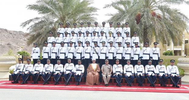 شرطة عمان السلطانية تحتفل بتخريج دفعة جديدة من الضباط وفصائل الشرطة المستجدين