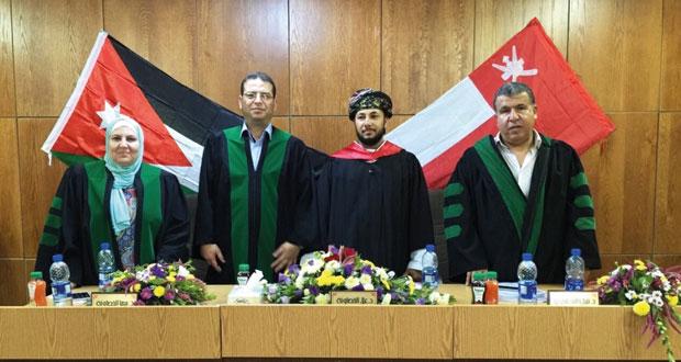 طالب عماني يحصل على الماجستير في القانون المدني من جامعة اليرموك بالاردن