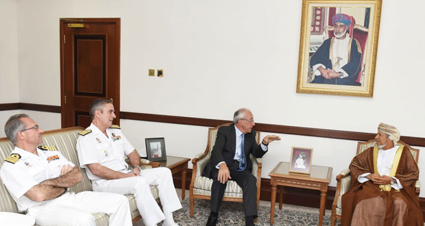 نائب محافظ مسقط يستقبل قائد السفينة الإسبانية جاليسيا