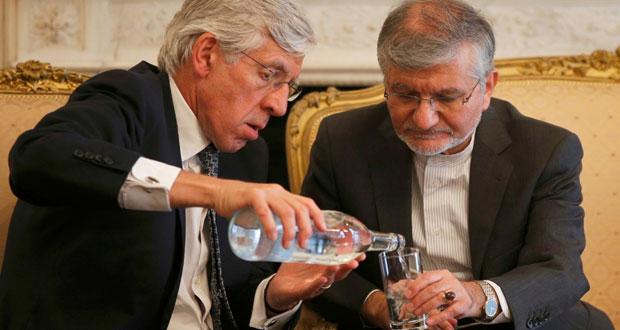 إيران وبريطانيا تتبادلان فتح السفارات وهاموند يتحدث عن تحسن العلاقات