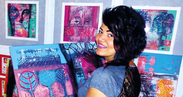 """لوحات الفلسطينية ريما المزين تستلهم التراث الكنعاني في معرضها """"حكايتها مع الشجر"""""""