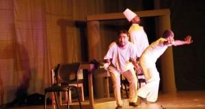 """المسرحية الكوميدية """"الأيام السبعة"""" على مسرح تطبيقية الرستاق"""