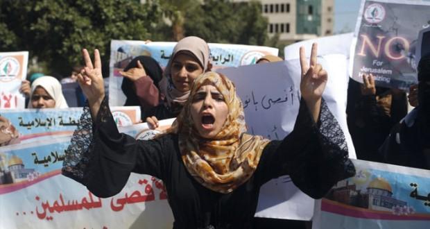 إسرائيل تسمح بقنص (ملقي الحجارة) والسعودية تحذر: الاعتداء على الأقصى عواقبه وخيمة