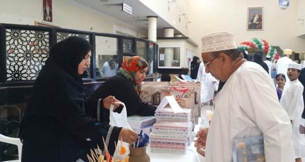 """بلدية مسقط تشارك في فعالية """"عيدك صحتك"""" بمستشفى النهضة"""