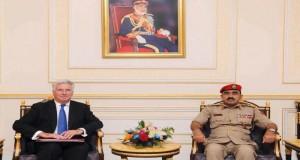 في زيارة رسمية تستغرق يومين وزير الدفاع بالمملكة المتحدة يصل البلاد