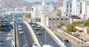 افتتاح مشروع تطوير طريق (دارسيت ـ الوادي الكبير) أمام الحركة المرورية إنشاء جسور علوية وتحسين جميع التقاطعات المرتبطة بالطريق