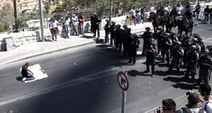 الاحتلال يقمع مصلين ويمنعهم من الأقصى ومجلس الأمن يطالب بوقف العنف