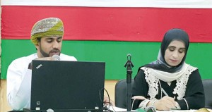 """ندوة """"الفن التشكيلي في عمان"""" تدرس خطاب العمل الفني وثقافته وسط حضور ضعيف جدا !!"""