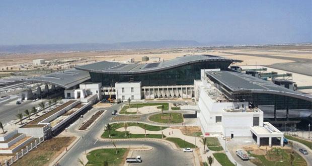 """تقرير لشركة """"ناتس"""" يشيد بتطور صناعة الطيران والمطارات في السلطنة ويتوقع عوائد محتملة بمقدار 600 مليون دولار لتحسينات المراقبة الجوية"""