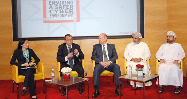 مؤتمر الأمن السيبراني يستعرض التحديات ويبحث الأساليب والطرق الحديثة للحد من الجرائم الإلكترونية