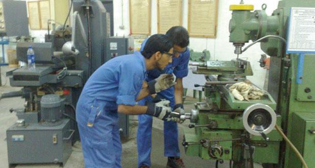 207 آلاف و228 عمانيا بالقطاع الخاص بنهاية أغسطس