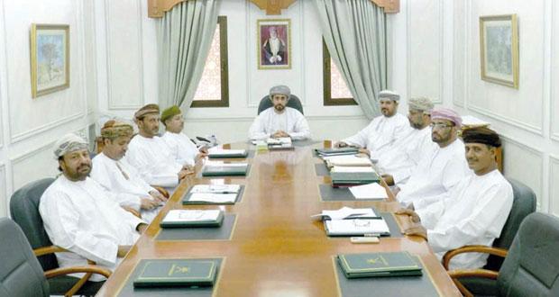 لجنة مناقصات صلالة تفتح عروض عدد من المناقصات