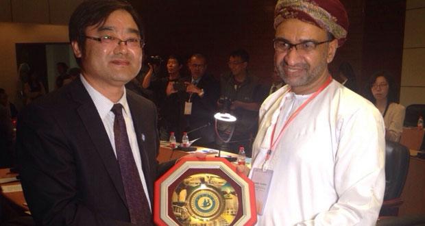 السلطنة تشارك في مؤتمر رؤساء الجامعات العربية والصينية الثالث