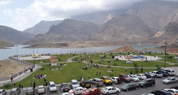 توقعات بعودة الأمطار على جبال الحجر واعتدال الحرارة يشجع على إنعاش الحركة السياحية الداخلية