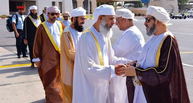 بعثة الحج العمانية تغادر البلاد متوجهة الى الديار المقدسة