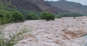 """أمطار متفاوتة الغزارة على """"الرستاق """" و """"منح """" و """"الجبل الأخضر """""""