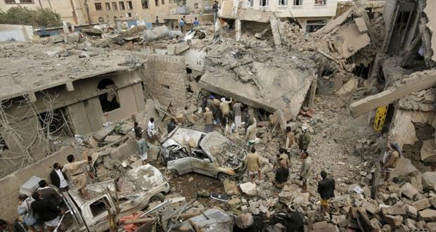 اليمن : التحالف يستهدف معسكرات الحوثيين بصنعاء واشتباكات عنيفة على الأرض