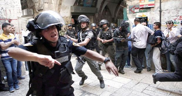 36 جريحا في تواصل إرهاب الاحتلال بـالأقصى .. ومواجهات ليلية بالقدس
