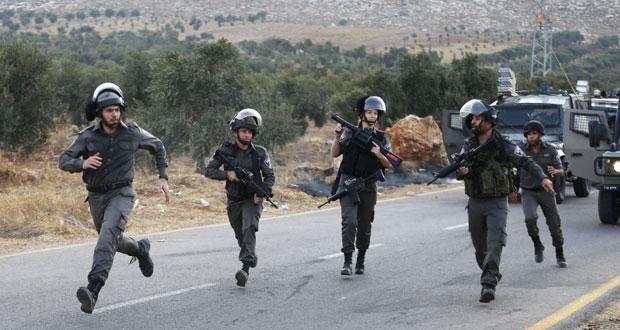 حملة مداهمات بالضفة ومواجهات ليلية في القدس