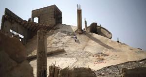 الاحتلال يهدم منازل بالنقب ويهدد بتدمير 13 ألف منشأة فلسطينية في الضفة