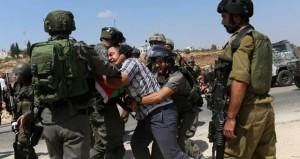 قوات الاحتلال تقمع مسيرة (كفر قدوم) السلمية و(بيت أمر) تتصدى لحملة اعتقال