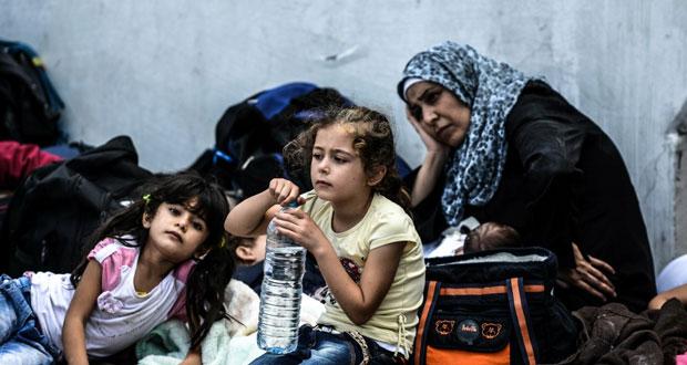 مصرع عشرات المهاجرين بغرق قارب على وقع التباطؤ الأوروبي في حل الأزمة