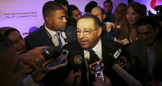 مصر: توقيف وزير الزراعة في قضية فساد بعد قبول استقالته