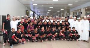 استقبال حافل ورائع بالورود لبعثة منتخبنا الوطني لناشئي كرة القدم