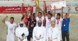 فريق نادى الشباب يتوج بلقب (كأس السوينى) أول بطولة للمحترفين لكرة القدم الشاطئية بصلالة