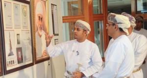 سلمان الحجري يستعرض 86 عملا فنيا متنوعا في معرضه الشخصي الثاني بجامعة السلطان قابوس