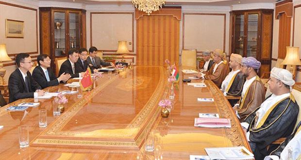 بحث أوجه التعاون الثنائي بين السلطنة والصين في عدد من المجالات