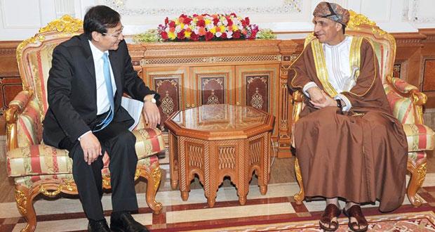 فهد بن محمود يستقبل نائب وزير خارجية الصين الشعبية