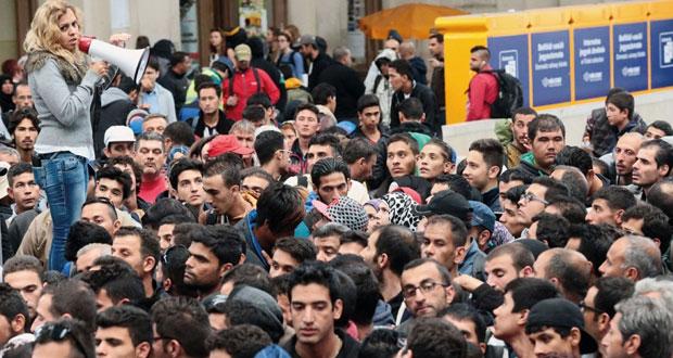 أوروبا توافق على إجراءات عاجلة مقترحة بشأن اللاجئين على وقع استمرار تدفقهم