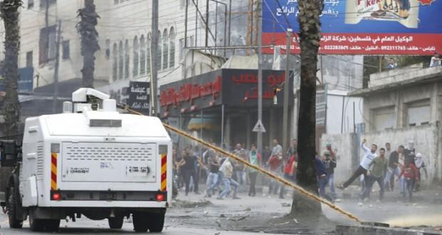 (جمعة غضب) فلسطينية والاحتلال يستعر ويطلق نيرانه بكثافة