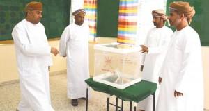 اللجنة العليا لانتخابات مجلس الشورى تقف على جاهزية المراكز الانتخابية بمسندم