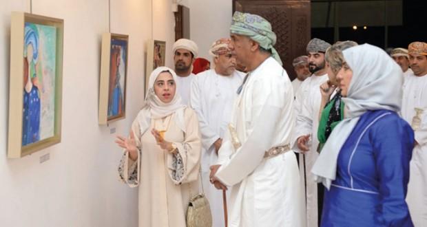 ضمن فعاليات مهرجان الفنون التشكيلية 2015 م خمسون لوحة فنية تجسد مسيرة الفنانين حمد السليمي لحليمة البلوشية