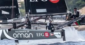 القارب سلطنة عمان يحرز المركز الثاني في اليوم الأول ويستحوذ على إعجاب المنافسين